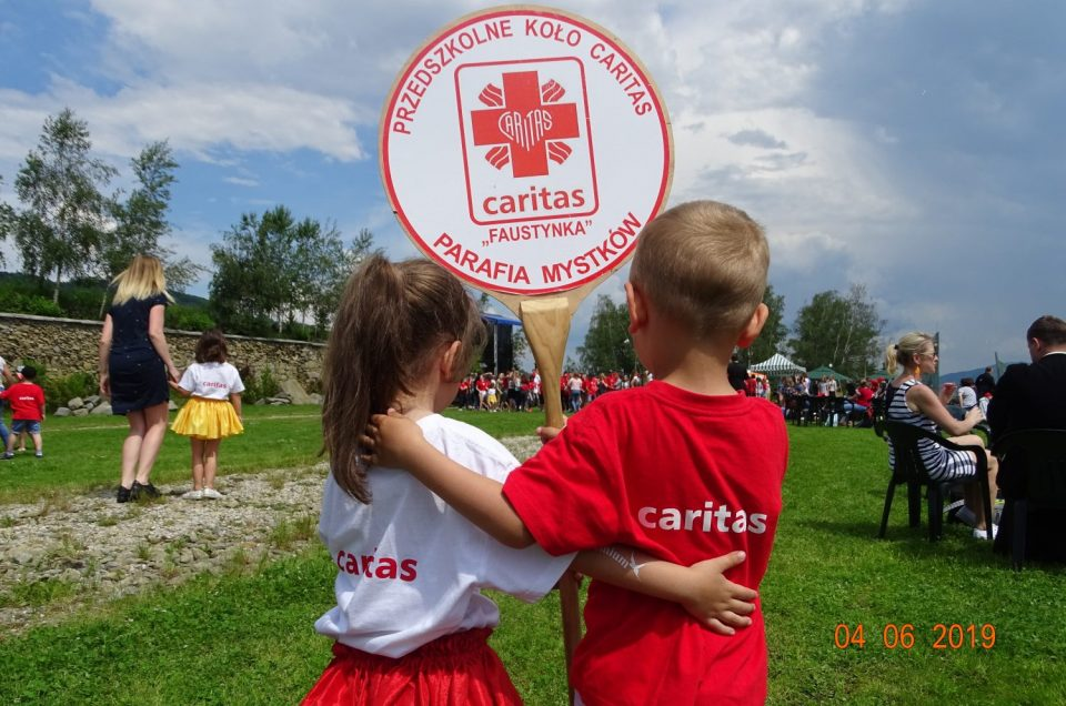 Przedszkolaki na XIII Diecezjalnym Zjeździe Kół Caritas